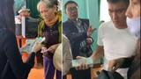 Thủy Tiên trở lại miền Trung... vali đầy tiền, hỗ trợ dân Hà Tĩnh