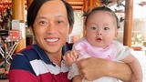 Thích thú ảnh Hoài Linh bế con gái của ca sĩ Pha Lê