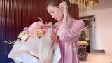 Lệ Quyên bị nghi mang bầu khi nhận hoa kỷ niệm của tình trẻ