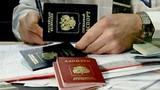 Dân Ukraine ùn ùn nhập cảnh vào Nga