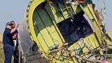 Một nhóm chuyên gia quốc tế phải rời hiện trường MH17