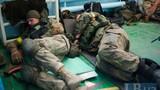Binh sĩ Ukraine khốn khổ trong vòng vây ở Donetsk