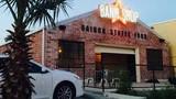 Ảnh nóng cửa hàng bánh mì kẹp Việt tại Mỹ