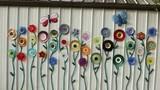 Những tác phẩm hoa tái chế trang trí vườn