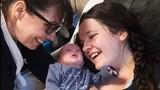 Tim ngừng đập khi sinh con, bà mẹ bất ngờ tỉnh dậy sau 68 phút