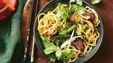 Độc lạ món mì trường thọ được ăn đầu năm mới ở Trung Quốc