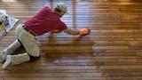 Mẹo lau sàn gỗ sáng bóng, sạch tinh tươm