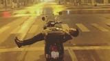 """Cạn lời với những """"quái nhân"""" đường phố Việt"""