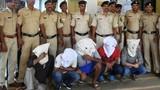 Thiếu nữ 17 tuổi bị 11 người cưỡng hiếp tập thể