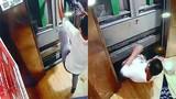 Kẹt trong thang máy, bé trai 13 tuổi gặp họa thảm khốc