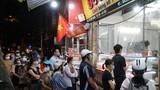 Giao thông ùn ứ tại điểm bán bánh trung thu trên phố Thuỵ Khuê