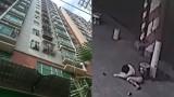 Video: Bé 9 tuổi sống sót thần kỳ khi rơi từ tầng 5 xuống đường