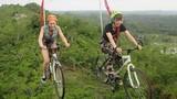 Video: Trải nghiệm đạp xe trên dây mạo hiểm ở Philippines