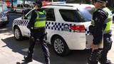 """""""Nhấc tạm"""" xe nhà, 4 nhóc tì Úc tự đi hơn 1.000 km"""