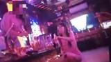 """Hà Nội: Bất chấp lệnh cấm, hàng loạt quán karaoke """"lén lút"""" hoạt động"""