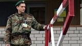Ukraine đóng cửa biên giới, bỏ rơi binh sĩ tại Crimea