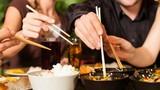 Những điều kiêng kỵ trong bữa ăn tuyệt đối đừng phạm vào