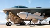 """Lộ ảnh """"bóng ma"""" B-2 chở siêu bom nặng 13,6 tấn"""