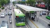 Giờ cao điểm, BRT Hà Nội đông nhưng không quá tải