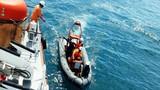 Cứu thành công một thuyền viên tàu Bình Định bị chìm