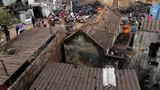 Hốt hoảng phát hiện 2 tấn vật liệu nổ trong vườn nhà