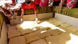 """TP Sầm Sơn làm bánh giầy 3 tấn: """"Nặng hình thức, gây lãng phí"""""""