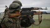 Video: Cười đau ruột với màn bắn súng của lính châu Phi