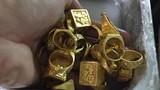 Ngỡ ngàng phát hiện đống vàng trong bao lúa sau 30 năm làm nghề này