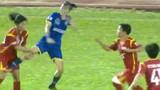 """Video: Cầu thủ nữ Việt Nam """"loạn đả kinh hoàng"""" trên sân Thống Nhất"""