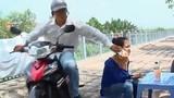 Video: Pha cướp điện thoại nhanh như chớp khiến nạn nhân ngơ ngác