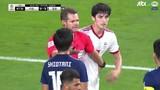 Video: Tiền đạo Iran suýt no đòn vì tát cầu thủ Nhật Bản