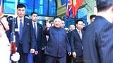 Video: Phút nghỉ ngơi hiếm hoi của ông Kim Jong-un sau hành trình tới VN