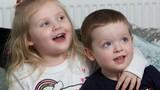 Mắc viêm não, bé 4 tuổi hồi phục thần kỳ nhờ người không ngờ này