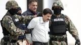 """""""Ông trùm"""" El Chapo cai trị cả nhà tù"""