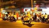 Hà Nội: Đua xe máy gây náo loạn Hồ Gươm dịp Euro 2016
