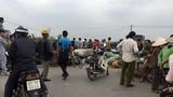 Cả làng kéo nhau đi phản đối đốt rác gây ô nhiễm ở Hà Nội
