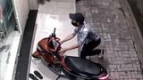 """Vẫn đi trộm xe máy """"nhanh như chảo chớp"""" dù bị...thần kinh"""