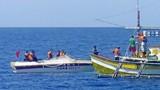 Philippines lên án tàu Trung Quốc, cảm ơn ngư dân VN cứu người