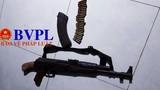 Vác súng AK47 bắn chết bạn gái rồi tự sát