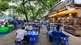 Bia hơi, quán phở... dựng vách ngăn phòng COVID-19 ở Hà Nội