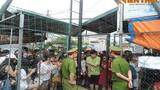 Hội chợ Container Chùa Láng: Quảng cáo và bể ''show'' đều hoành tráng!
