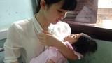 """""""Tiên nữ"""" Lào Cai cứu giúp bé 14 tháng nặng 3,5kg"""
