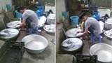 Cậu em rửa 6 mâm bát thay chị gái đau tay gây sốt