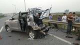 Xem cảnh thực nghiệm hiện trường vụ xe Innova đi lùi trên cao tốc