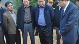 Bộ trưởng Đinh La Thăng tại hiện trường đứt cầu treo