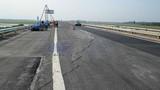Tận mục đường cao tốc Nội Bài-Lào Cai vừa thông xe đã nứt toác