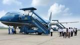 """Vietnam Airlines xin lỗi vì cho trăm khách """"leo cây"""""""