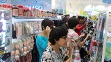 Đua nhau xếp hàng sắm hàng Nhật đồng giá 40.000 đồng