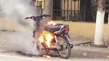 Những vụ đốt xe khó hiểu khi bị CSGT xử phạt