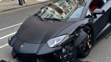 Siêu mãnh thú Lamborghini Aventador vỡ tan vì tai nạn thảm khốc